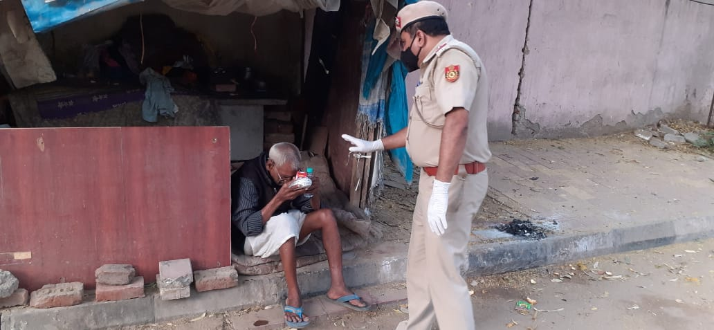 Police helping poor people
