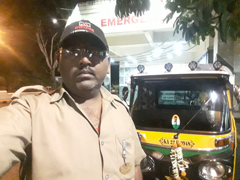 Corona Hero Ambulance man