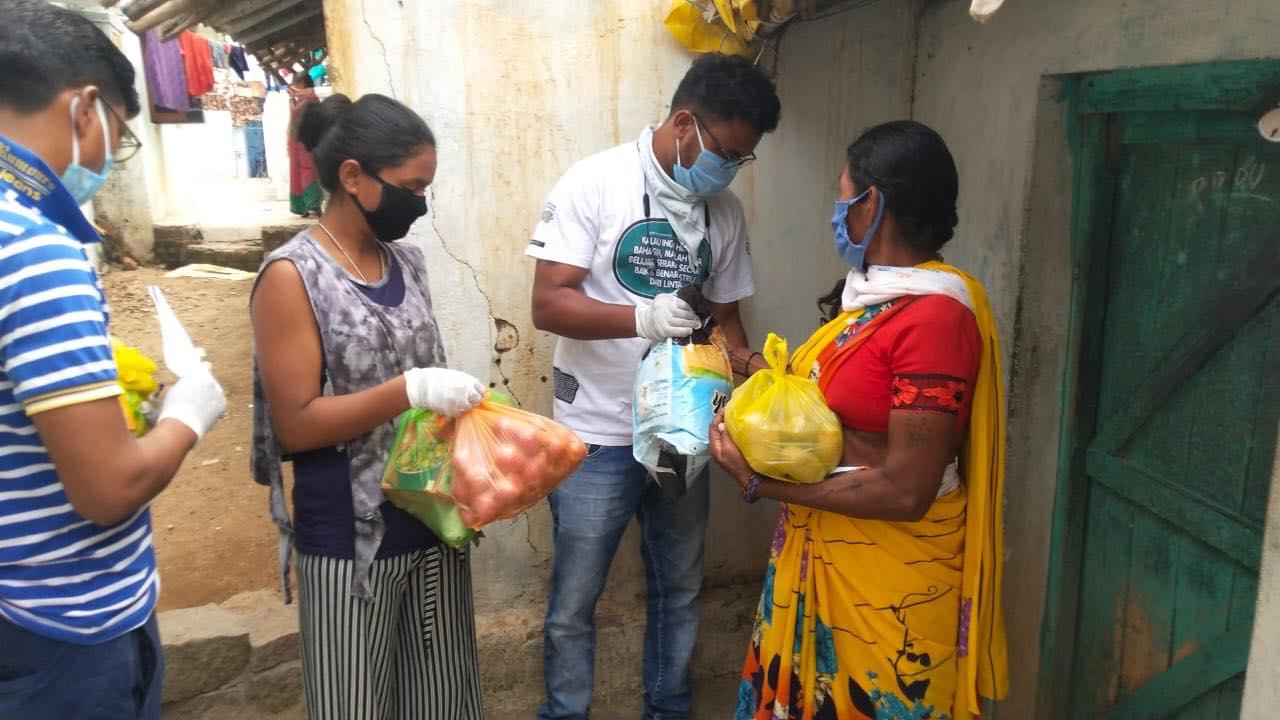 chattisgarh strangers helped poor