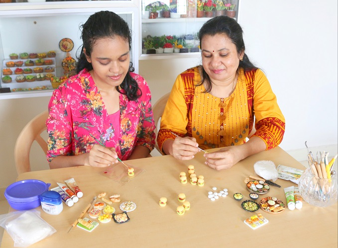 Chennai Mother Daughter Duo